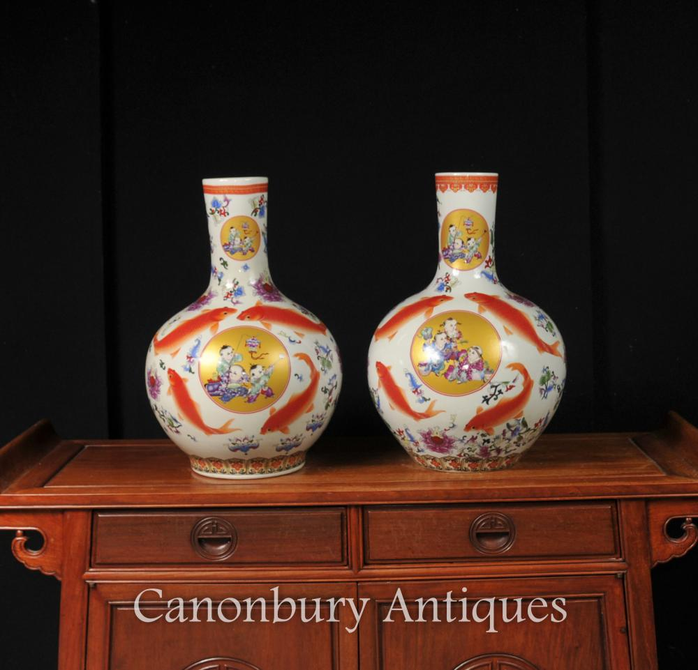Paire de porcelaine en porcelaine chinoise urnes vases Shangping