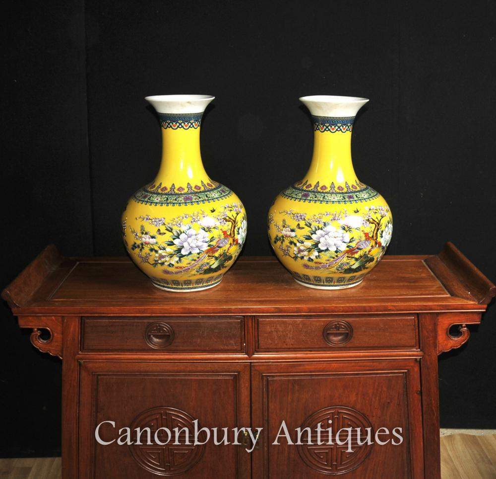 Paire Chinois Famille Jaune Porcelaine Vases Shangping Formulaire Urnes