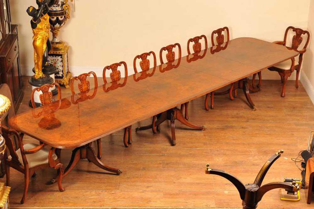 16ft Noyer Regency Piédestal Sièges de table 18