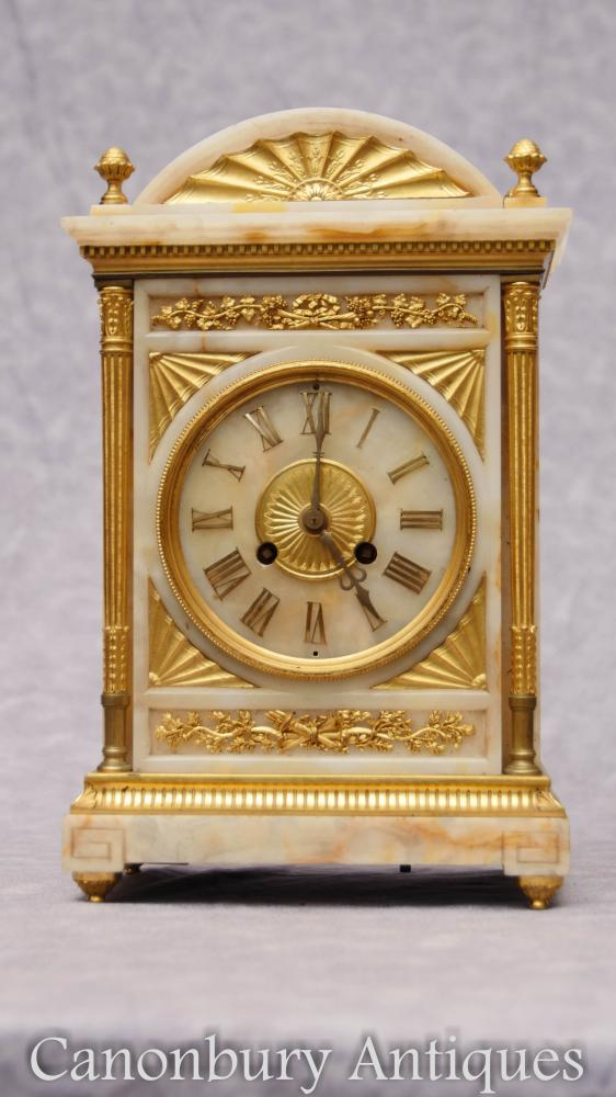 Antique Empire Français Onyx Ormolu Carriage Horloge Heure