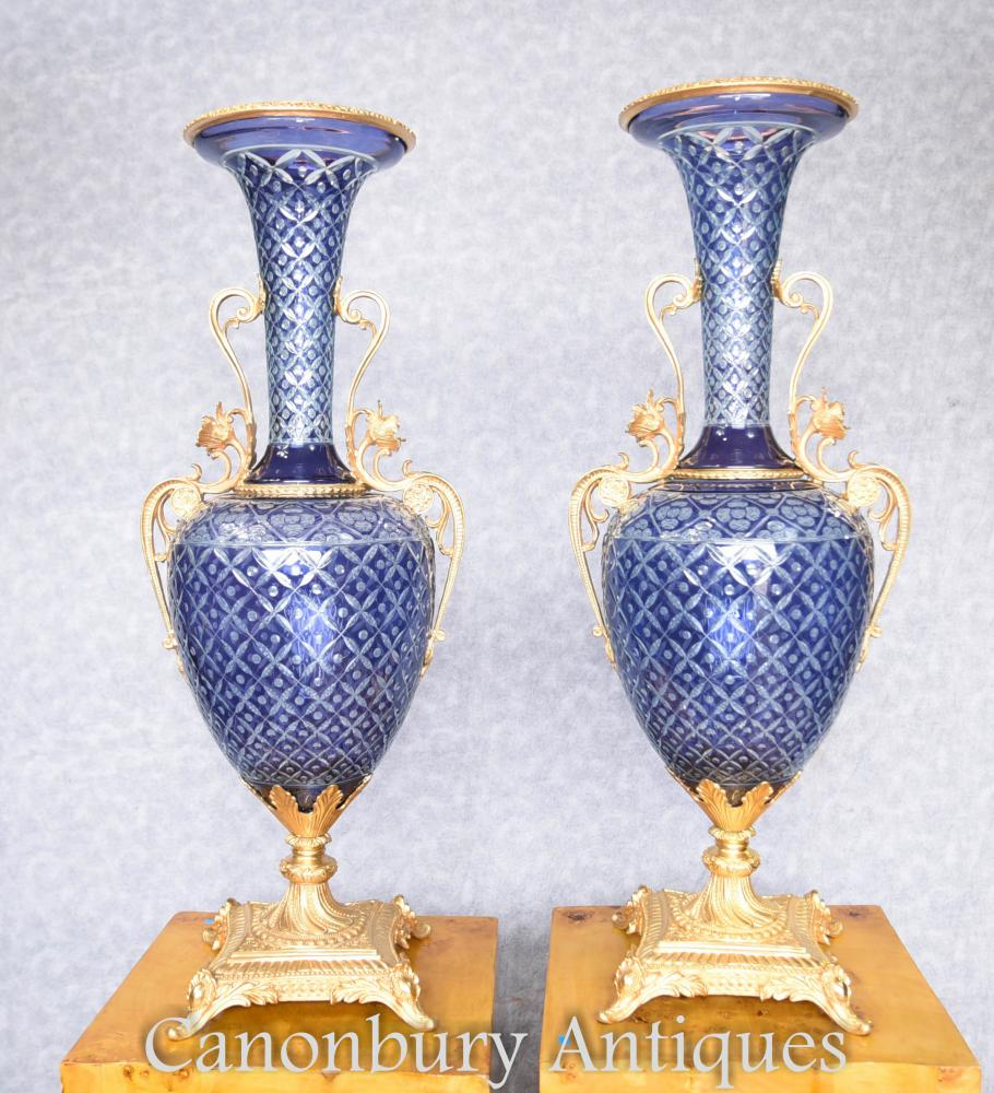Couple Français coupe verre Amphora urnes Vases ciselé montures