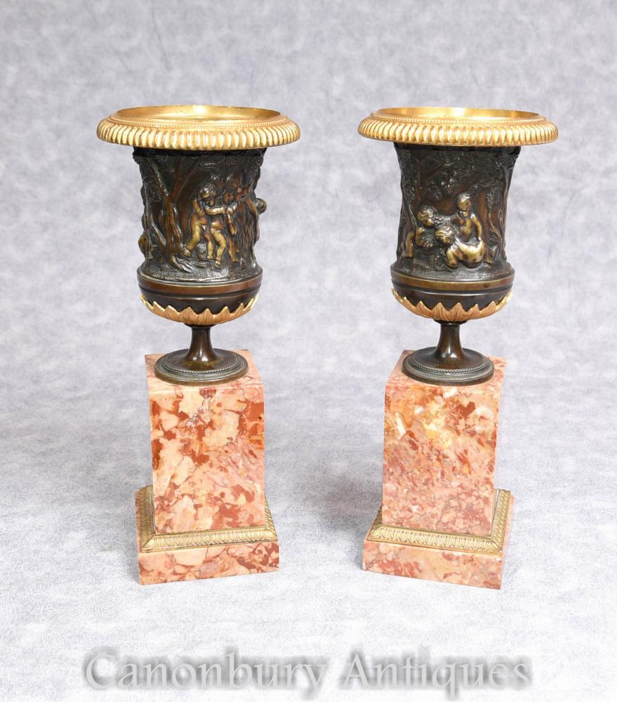 Paire Italienne Grand Tour Bronze Campana Urnes sur Base de Marbre Bases 1900