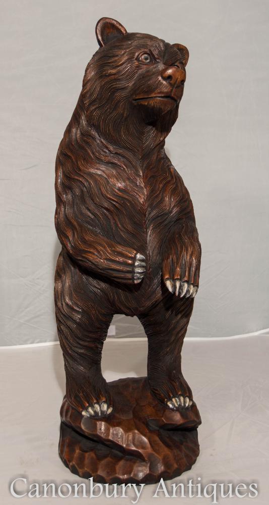 Statue allemande sculptée à la main de l'ours noir de la Forêt Noire