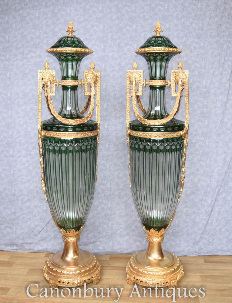 Vases en montures paire Empire Français verre Amphora urnes bronze doré