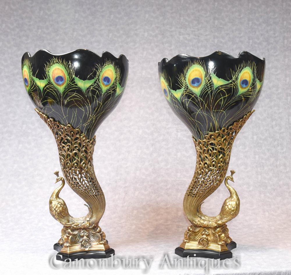 Pair Art Nouveau Porcelaine Paon Sauce Urines d'oiseaux