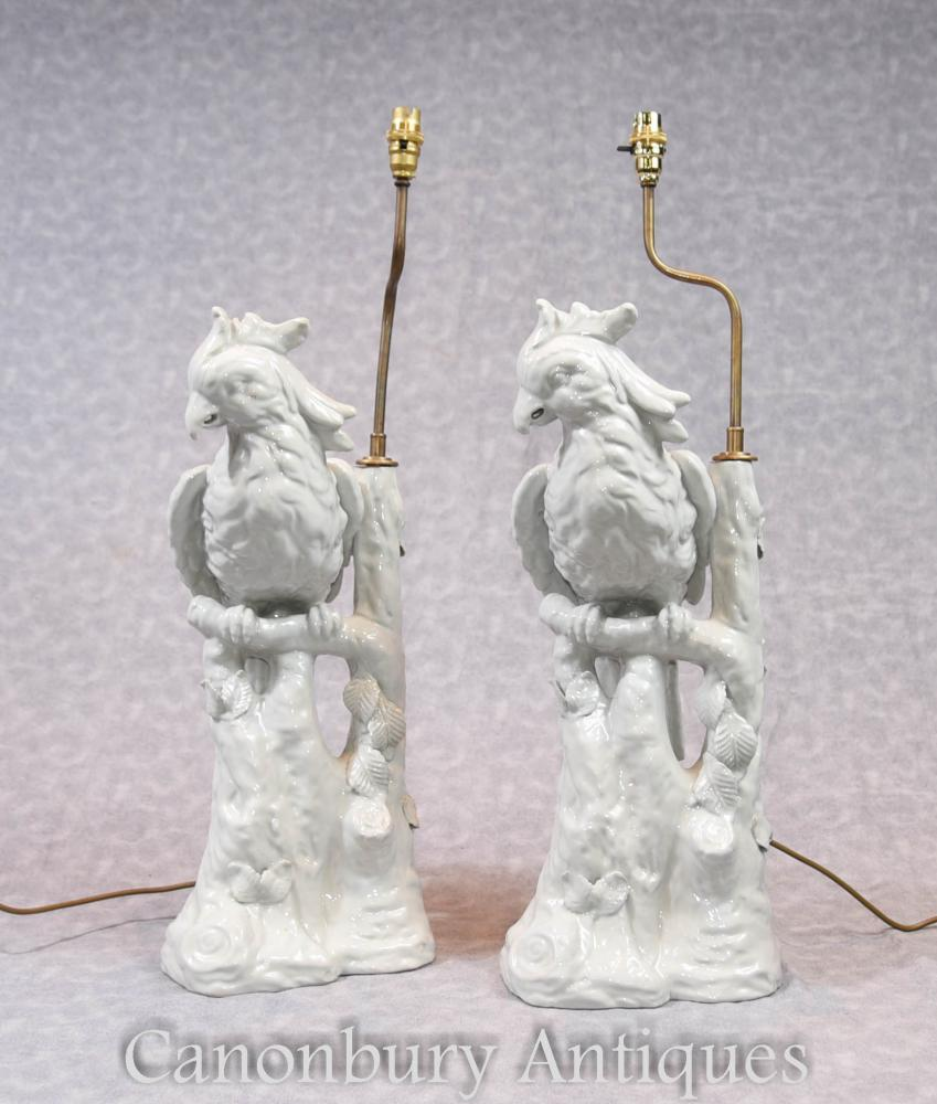 Pair English Porcelain Parrot Lamp Bases Lampes de table Parrot