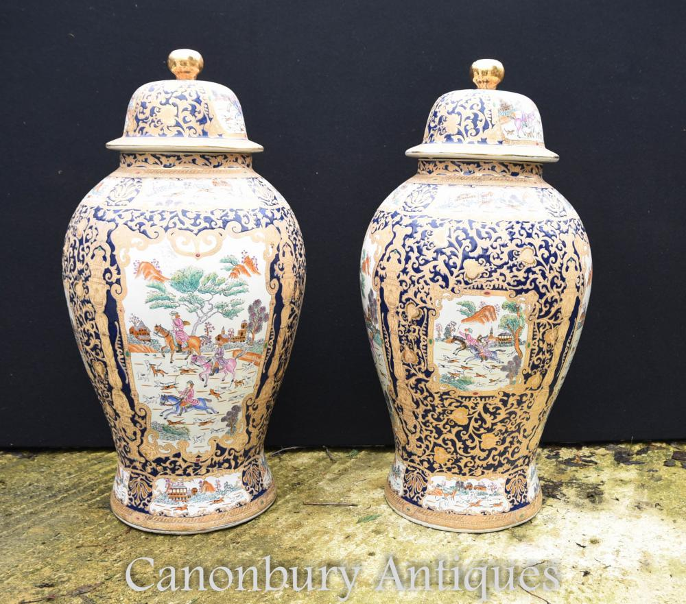 Paire de grands sacs chinois en porcelaine Qing Gingembre Jars Lided Vases Urnes