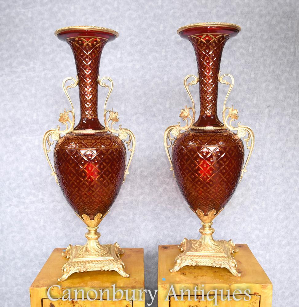 Paire de vases en verre coupe Empire urnes bronze luminaires