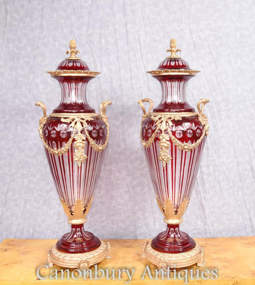 Paire d'empire français Empire en verre Amphore Urns Vases en liasses
