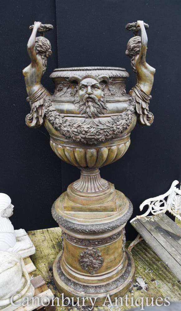 Urne de jardin de bronze italienne géante sur pedestal Classical Maidens Architectural