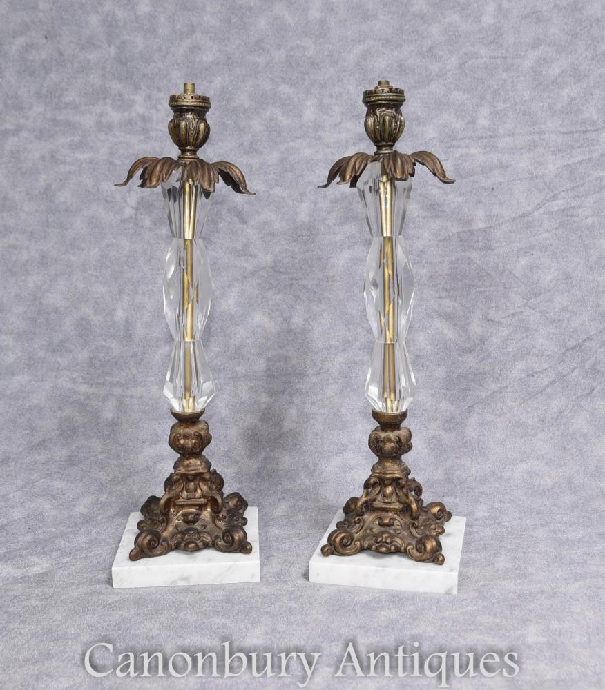 Paire d'ampoules de table en verre de cristal Ormolu et d'art français