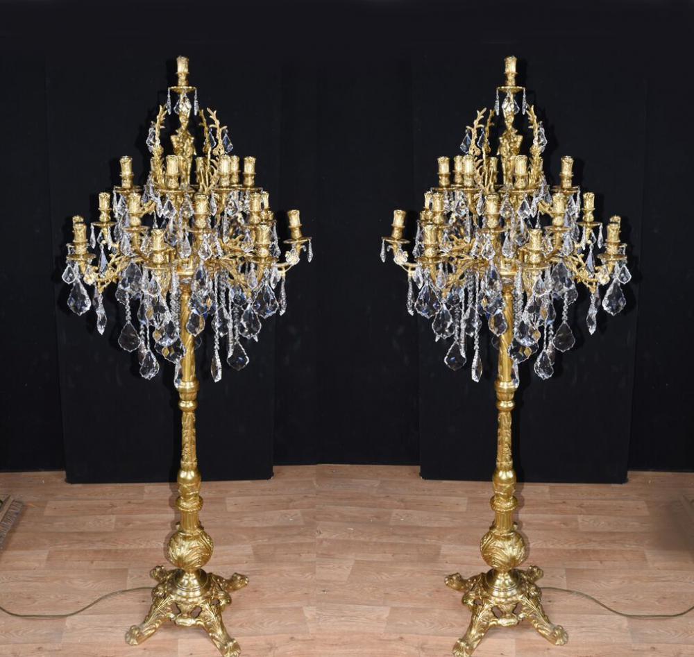 Orné Paire Louis XVI Gilt Candelabras Lampes de sol