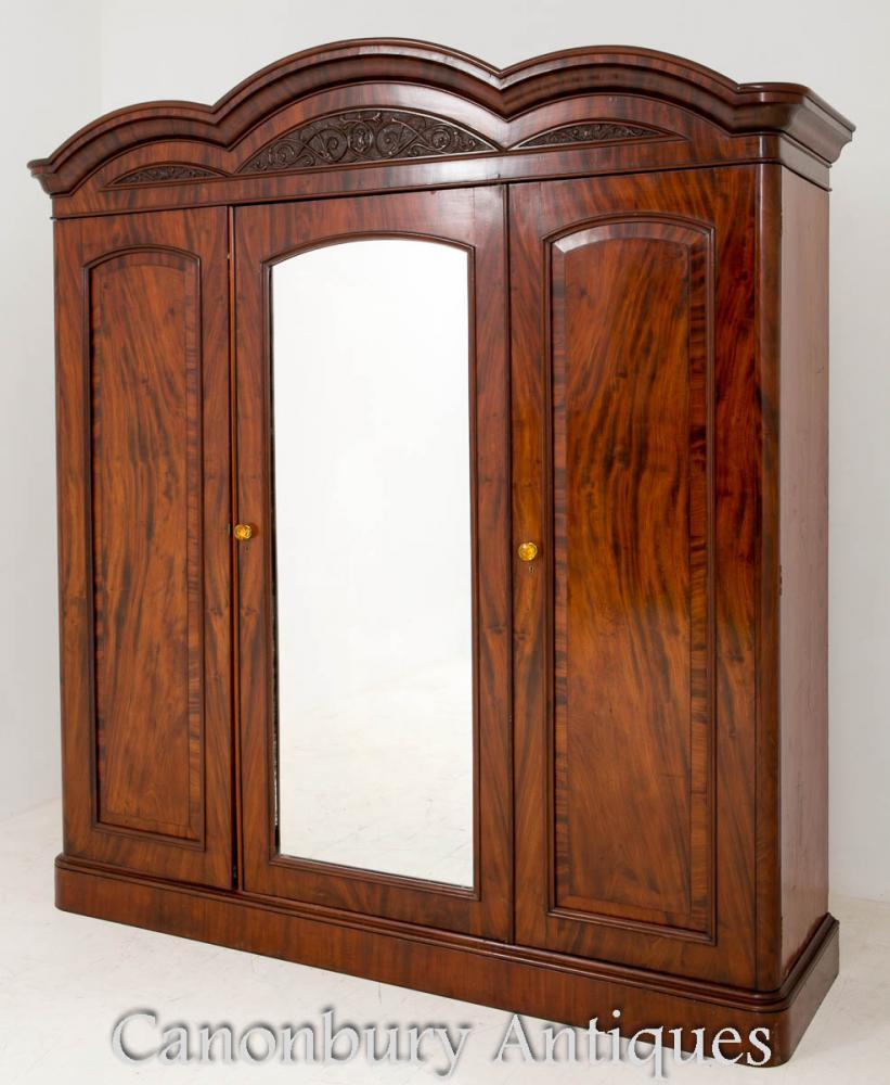 Antique Victorian Gentlemans penderie armoire placard 1860