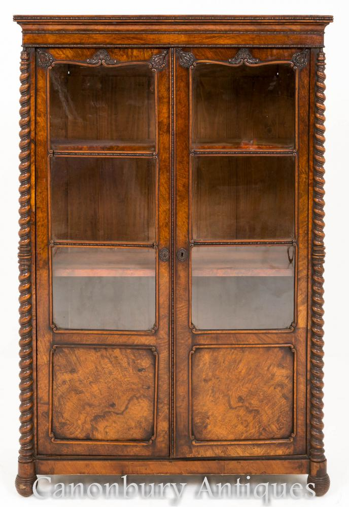 Bardé en noyer Antique Vitrine Cabinet en verre torréfié en orge