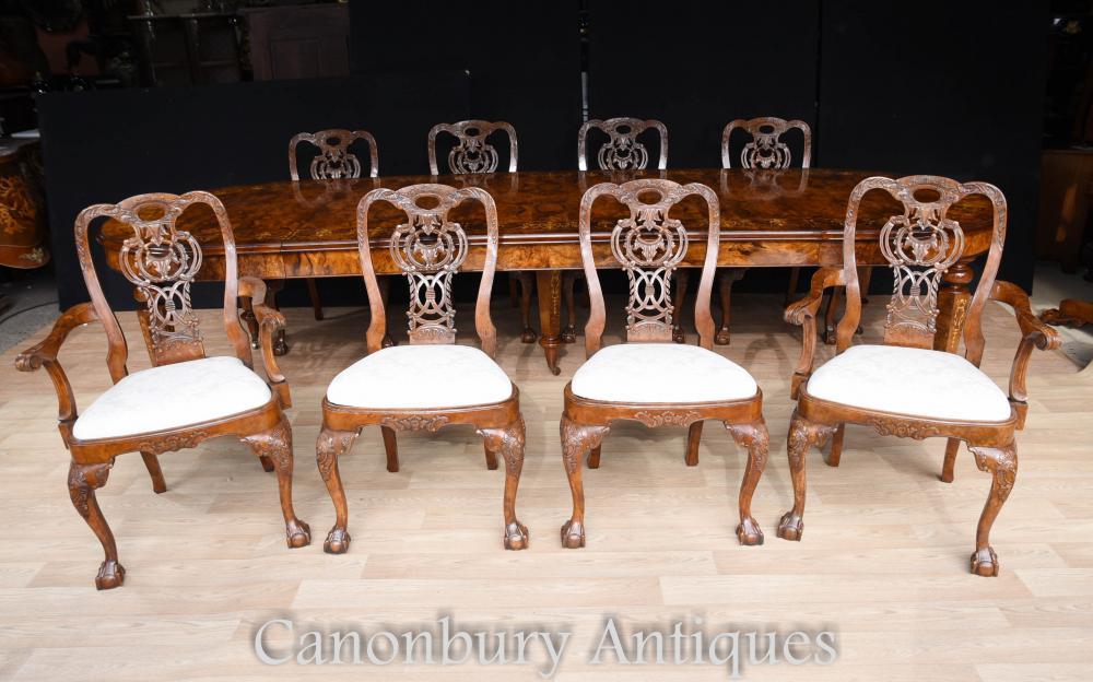 Ensemble de 8 chaises de salle à manger noyer George II Pieds à pattes et à griffes