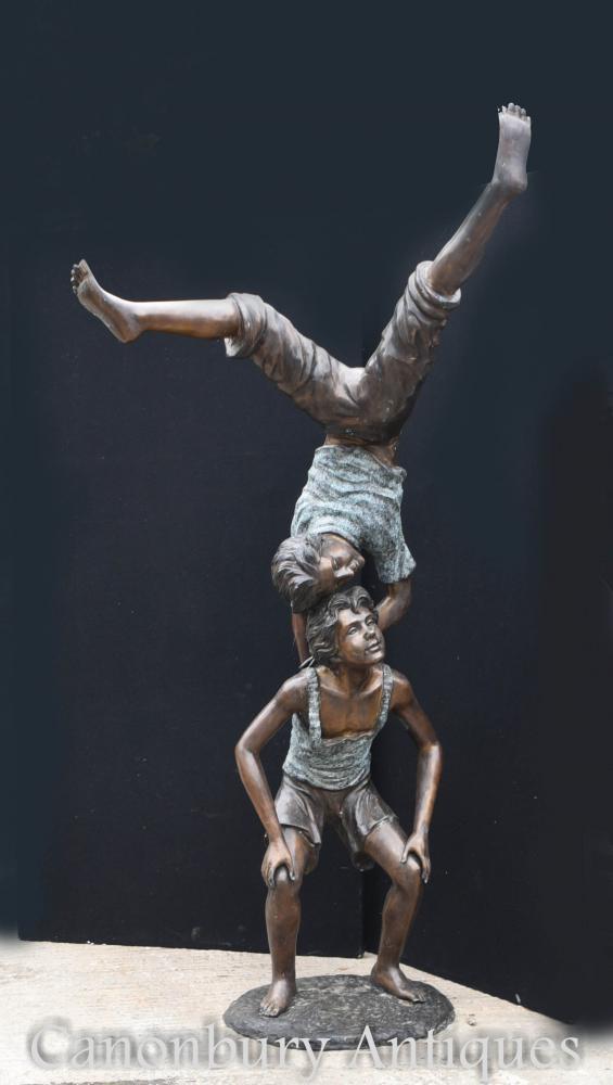 Paire Géante de Bronze Garçon Acrobates Sculpture de Jardin Figurine Masculine
