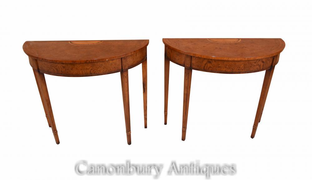 Paire Regency Console Tables Demi Lune marqueterie