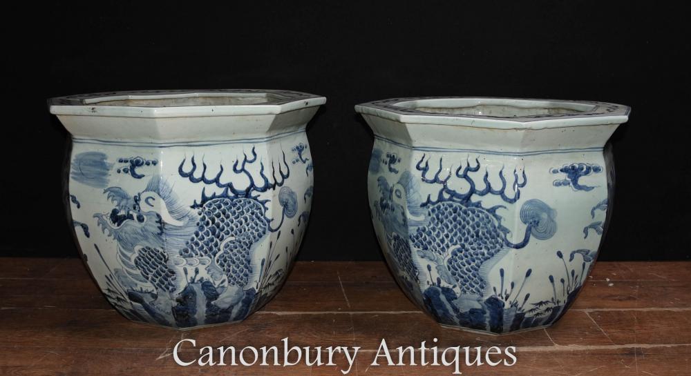 Paire de Jardinières en Porcelaine Bleue et Blanche Chinoises Pots Dragon