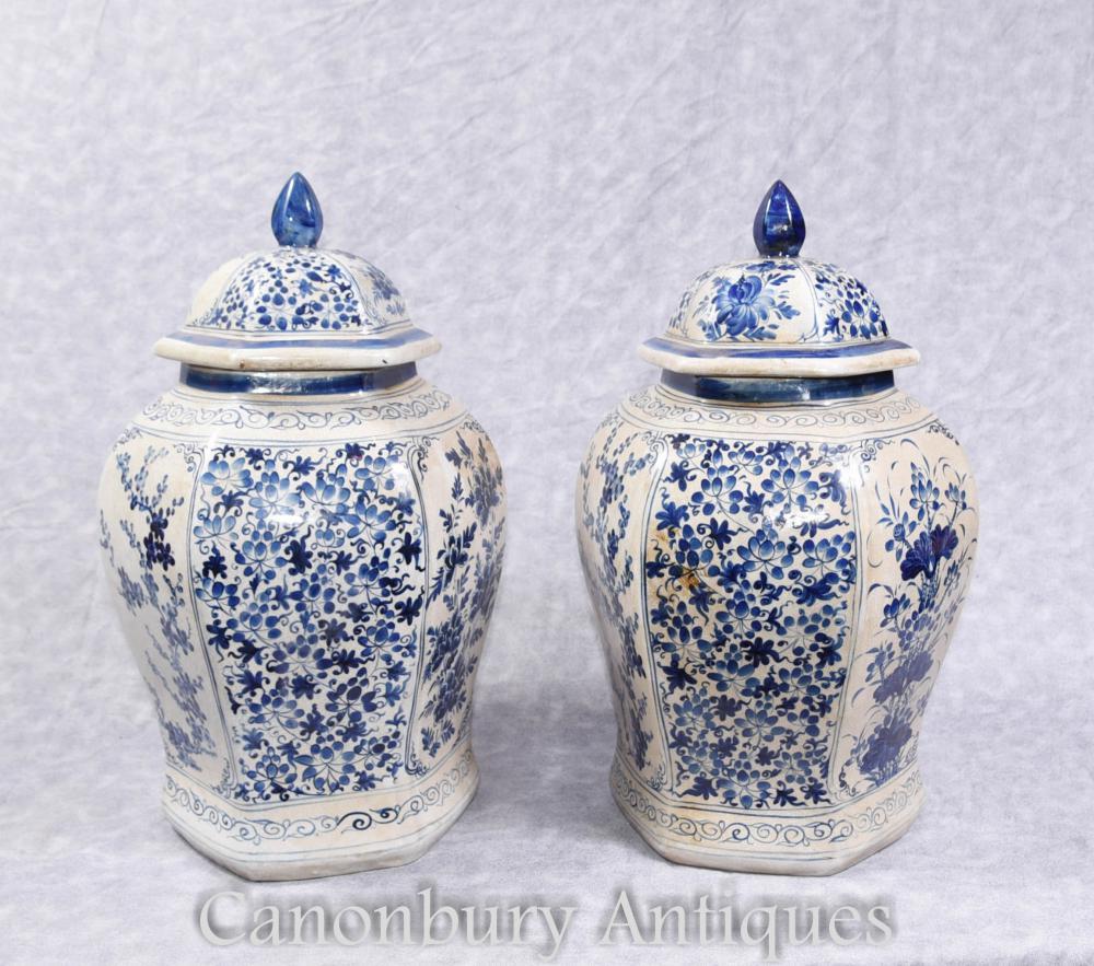 Paire de pots de gingembre en porcelaine bleue et blanche chinoise Vases Kangxi