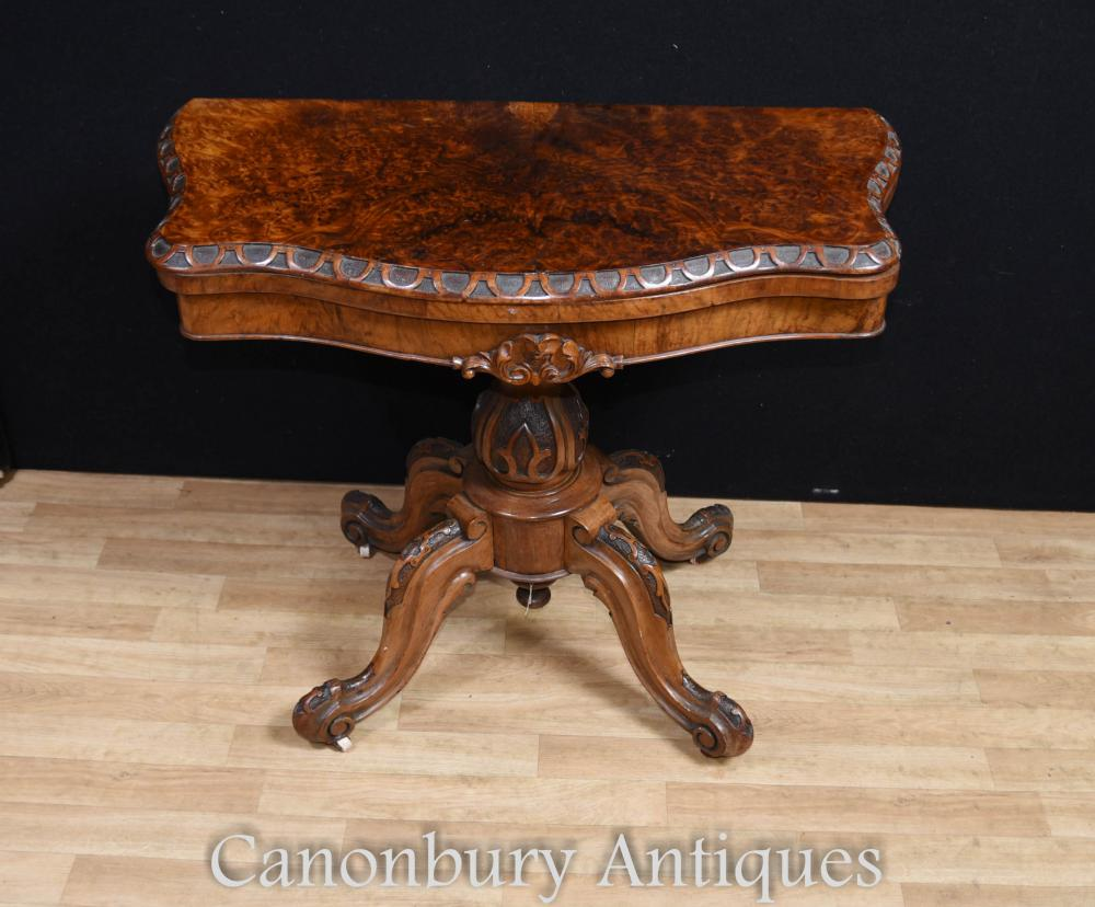 Table d'appoint Regency Walnut Table Bord festonné