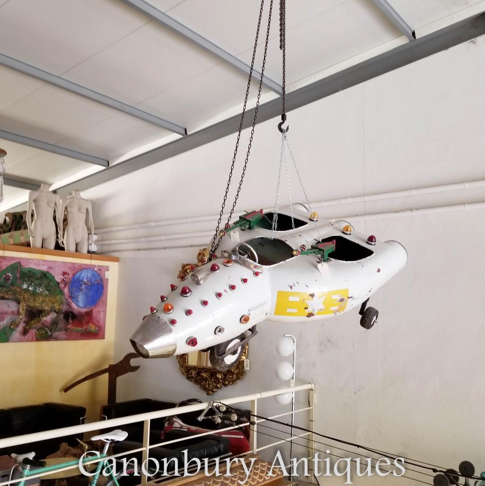 Ancien jouet espagnol Spaceship Airplane Vintage Thunderbirds Interiors