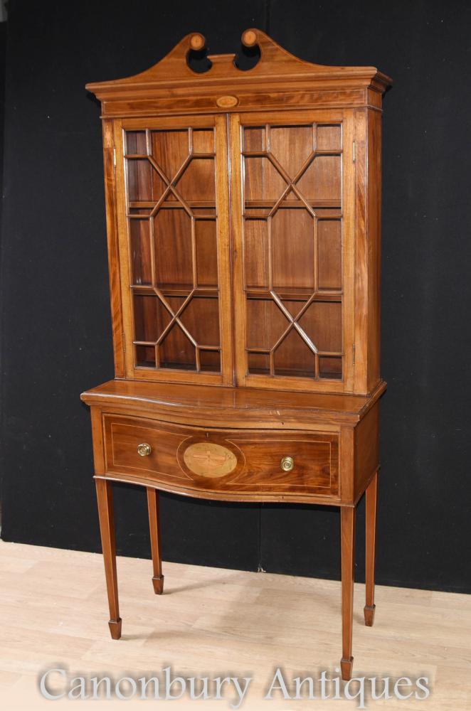 Bibliothèque d'armoire à présentoirs Sheraton Regency en acajou