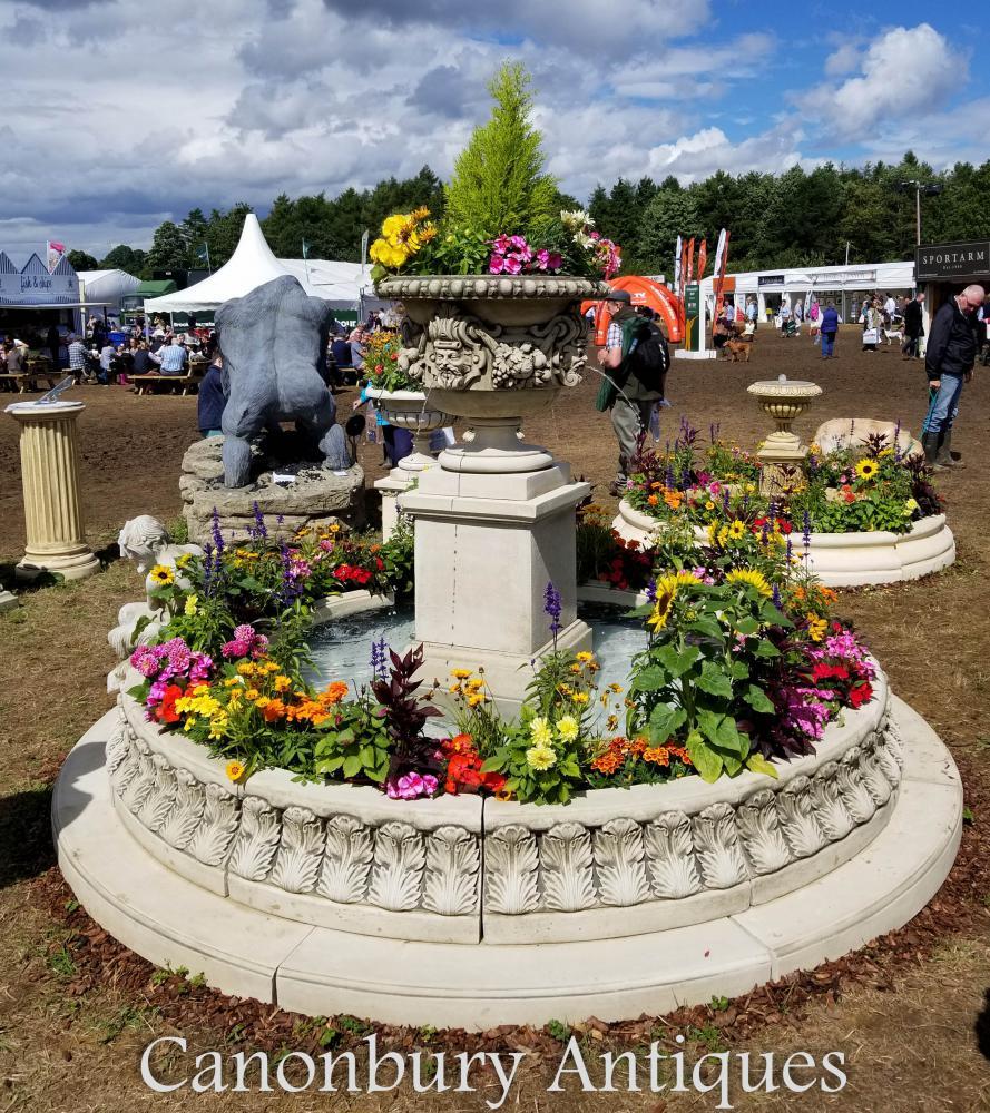 Fontaine à eau Ragley Garden avec urne sur socle