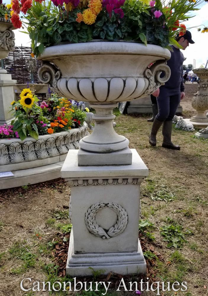 Grande Urne de Jardin Chesterblade sur Socle Classique Campana