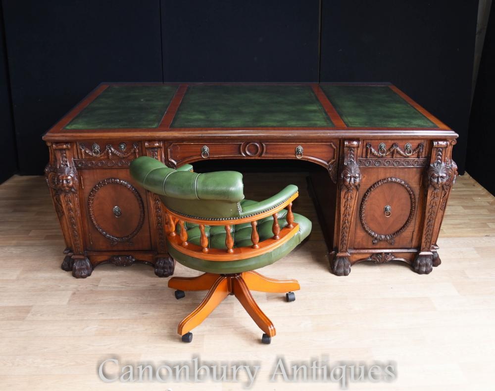 Mahogany Chippendale Nostell Prior Bureau et chaise