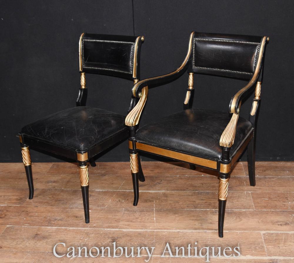 Paire de chaises laquées Regency