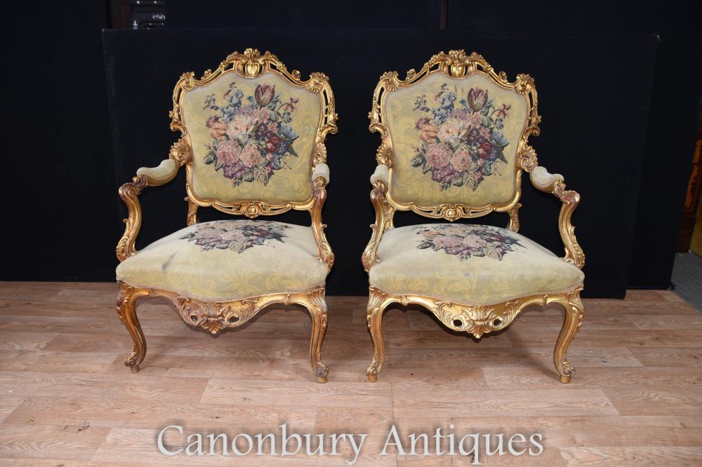 Paire de fauteuils à bras doré Louis XVI brodés Fauteuils d'ameublement brodés