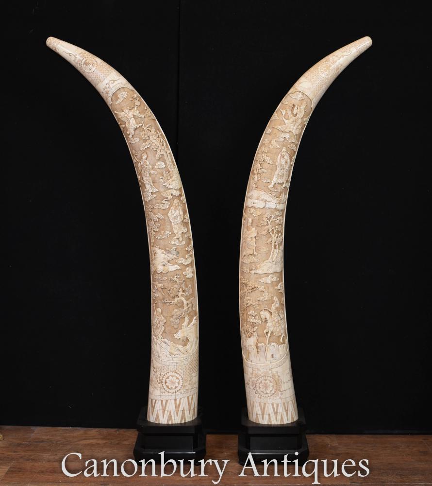 Paire de grands défenses d'os découpées par main chinoises architecturales