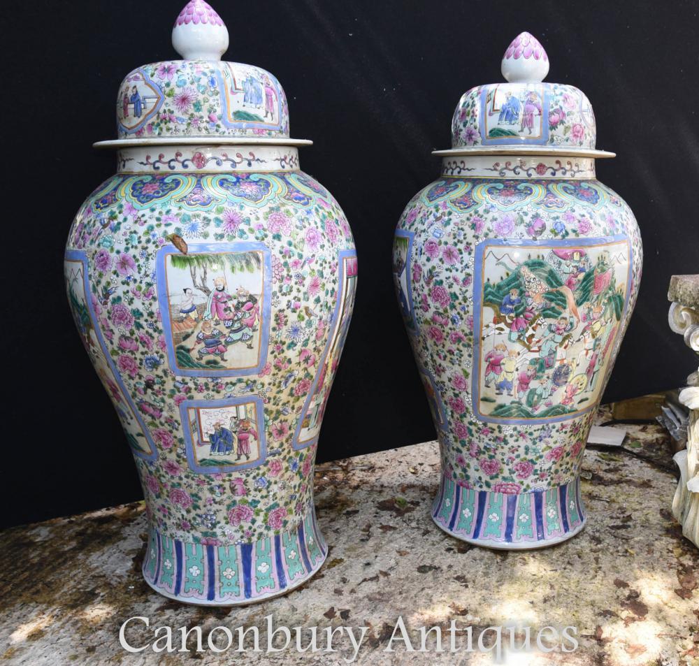 Paire de grands vases en porcelaine de Chine Ming Urnes à paillettes
