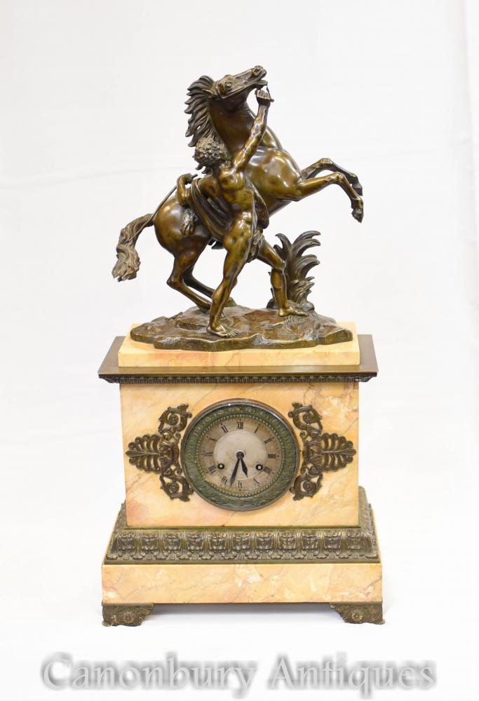 Pendule Antique Empire en Bronze Marbre de l'époque Française