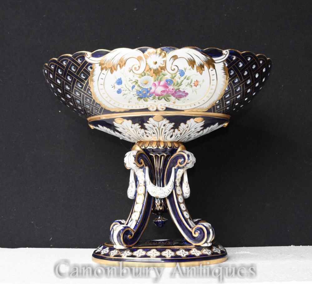 Urne en porcelaine de Sèvres simple sur support Floral Soupière
