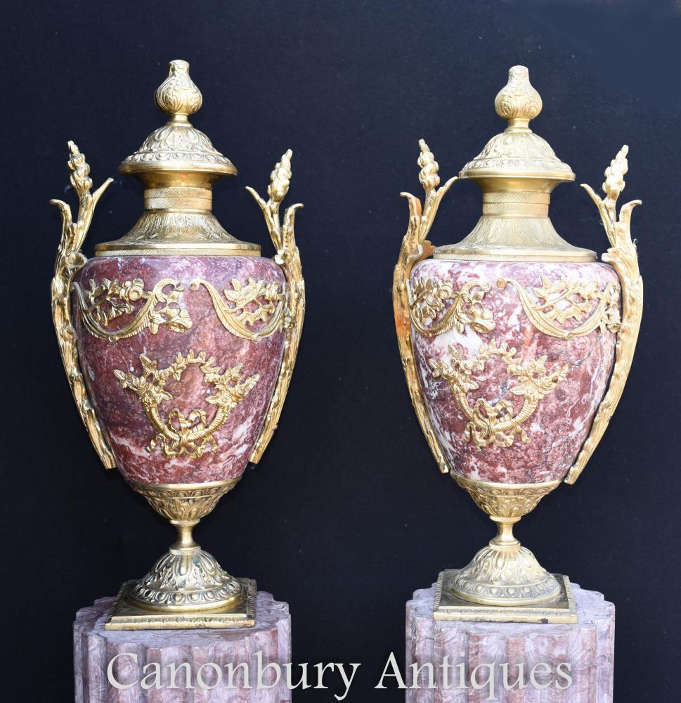 Paire d'Urnes d'Amphore Empire en marbre français Vases en bronze doré