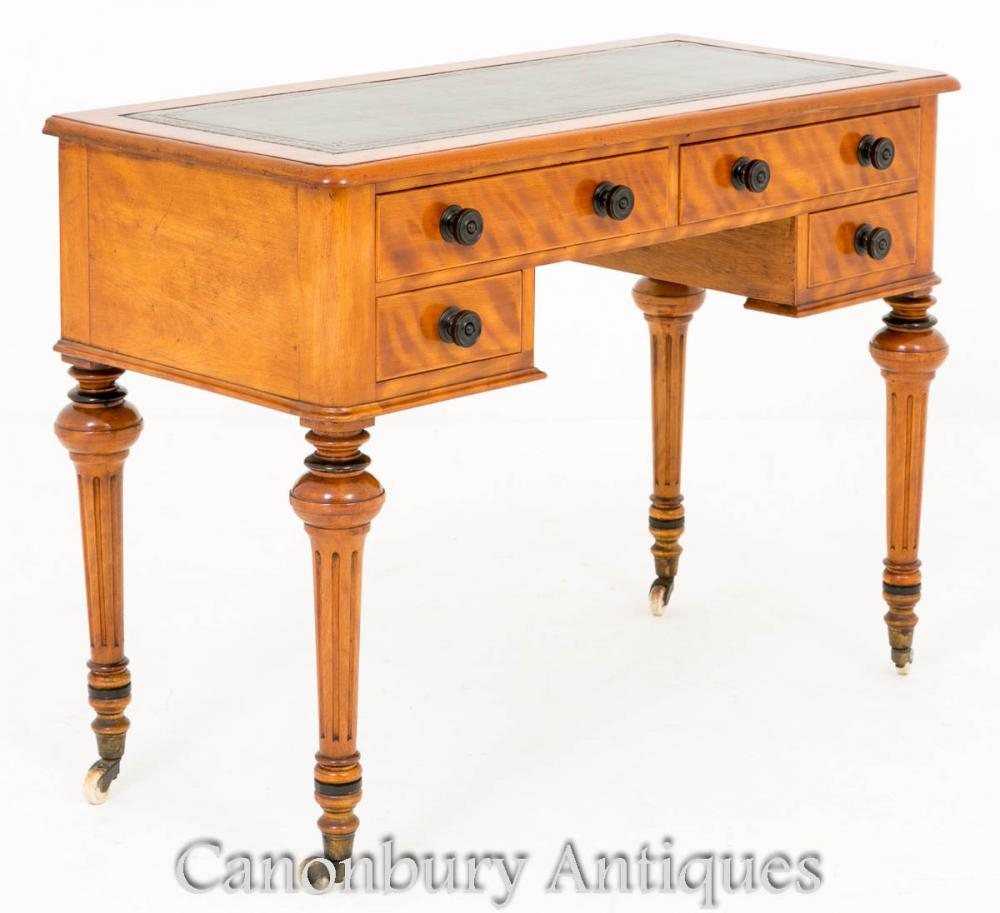 Bureau de table victorien en satin bouleau 1860