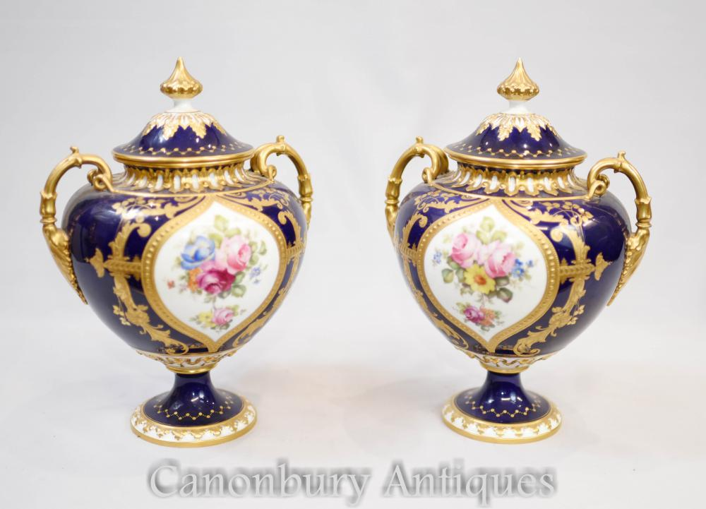 Paire d'Urnes Vases Royal Crown Derby Circa 1885