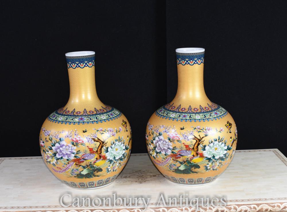 Paire de Vases Bulbous en Porcelaine Chinoise Kangxi Chine