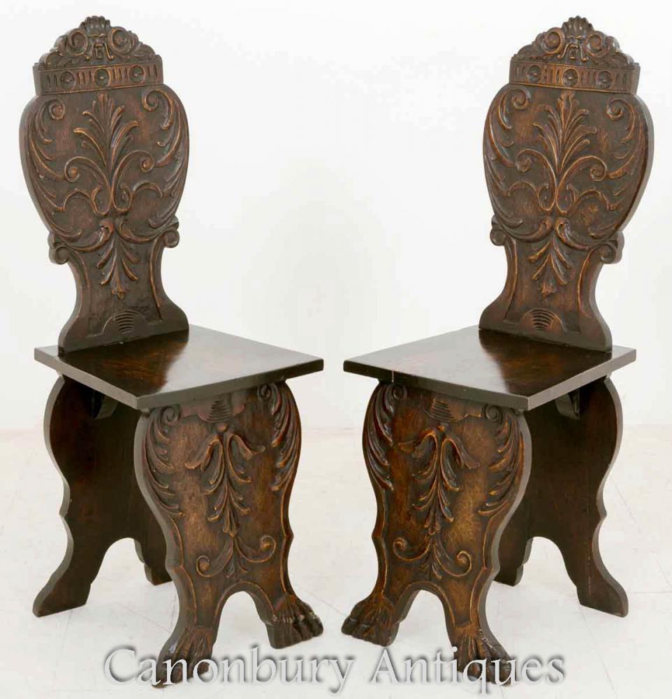 Paire de fauteuils italiens sculptés à la main en bois de tilleul Circa 1890