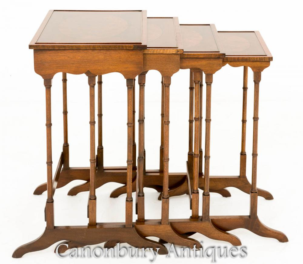Regency Nest Tables - Ensemble de 4 tables d'appoint en maçonnerie