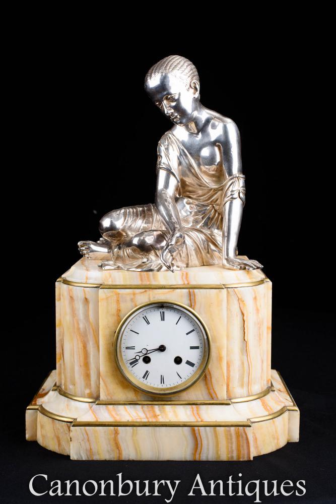 Pendule Empire Onyx et Plaque Argent Femme Figurine