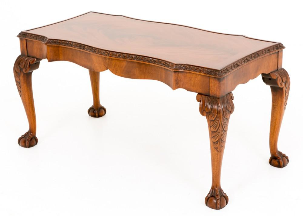 Table Basse en Acajou Chippendale en Noyer