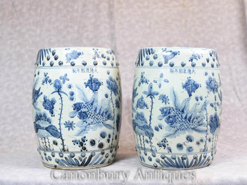 Paire De Sièges De Jardin Chinois En Porcelaine Bleue Et Blanche Tabourets Nanking