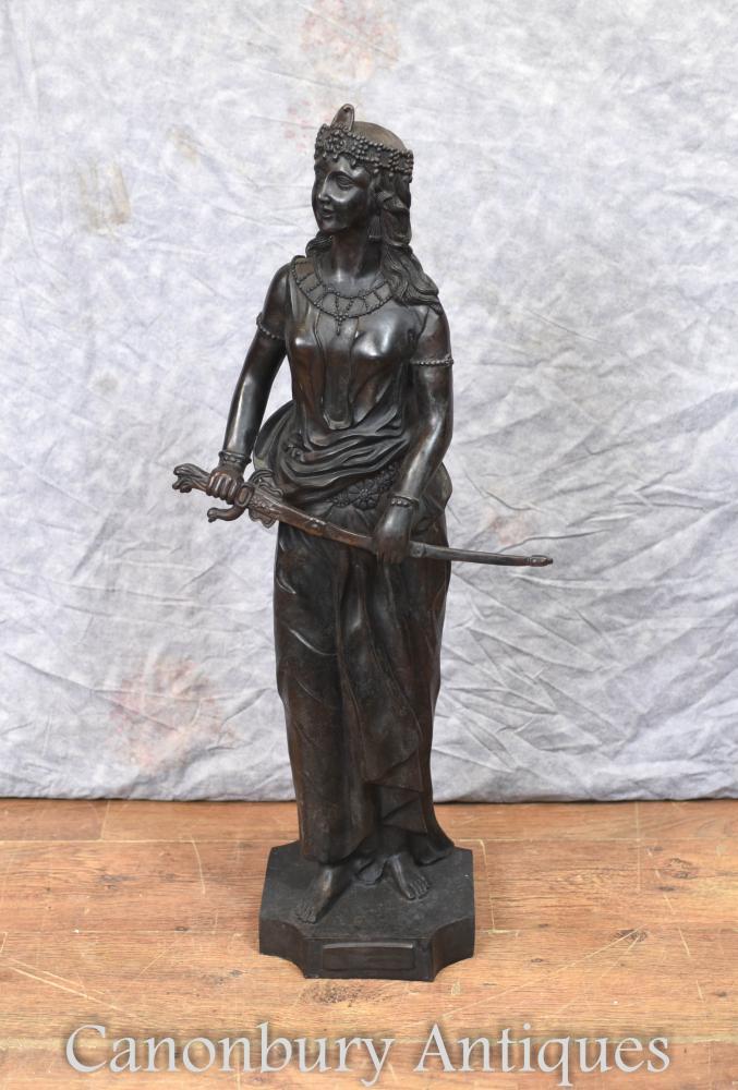 Grande statue en bronze de la dame de Salomé