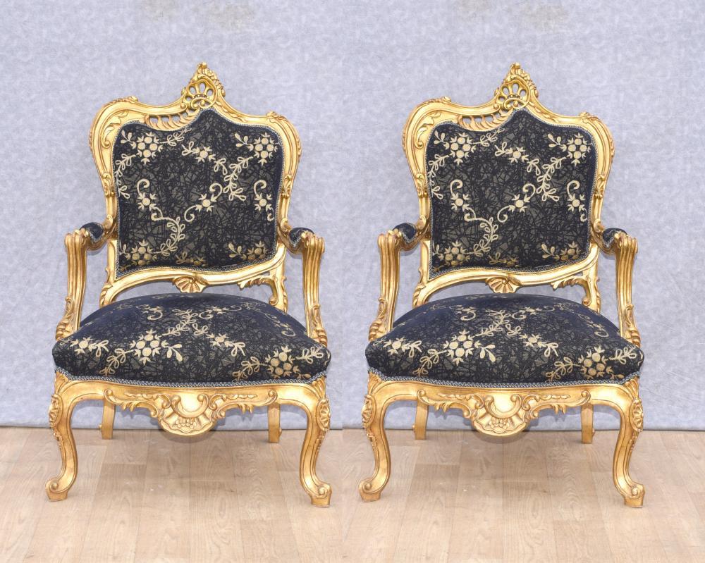 Paire De Fauteuils Louis XVI En Bronze Doré Fauteuils