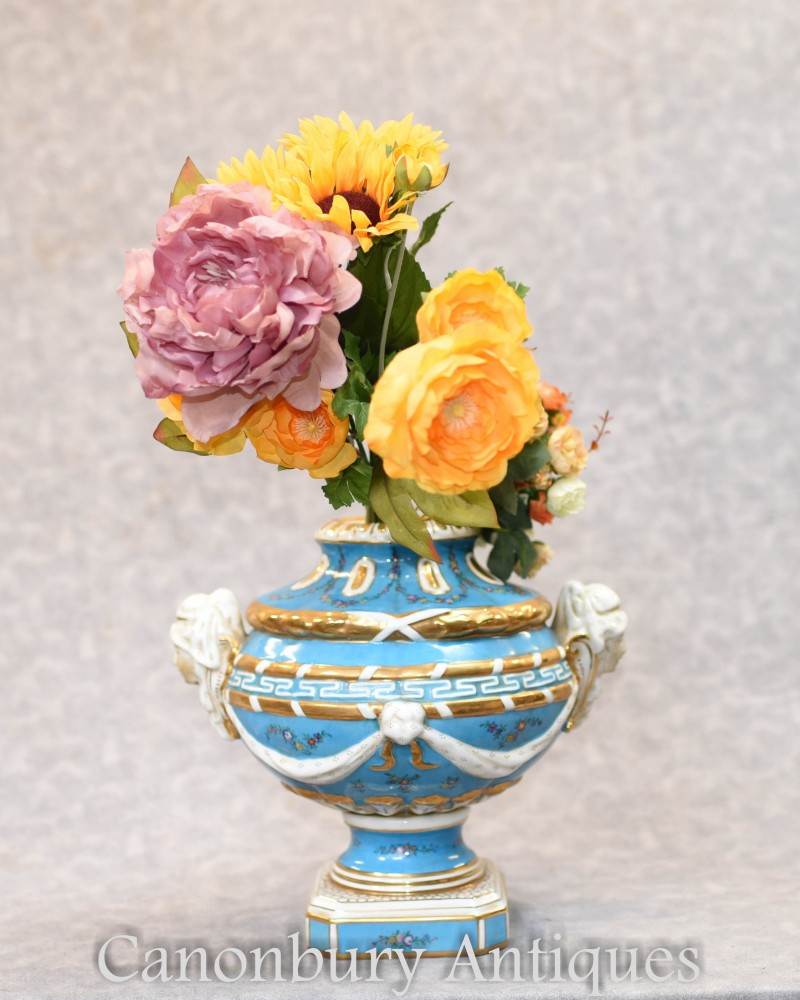 Bol en porcelaine allemande - Soupière en urne Meissen