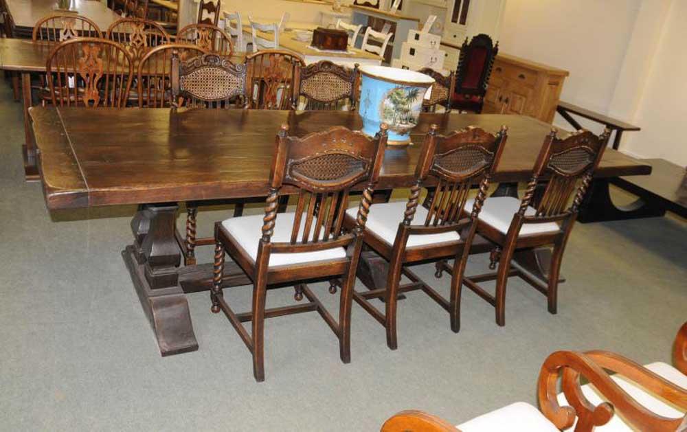 Ensemble de table de réfectoire Norfolk Meade, chaises de salle à manger de cuisine en orge Twist