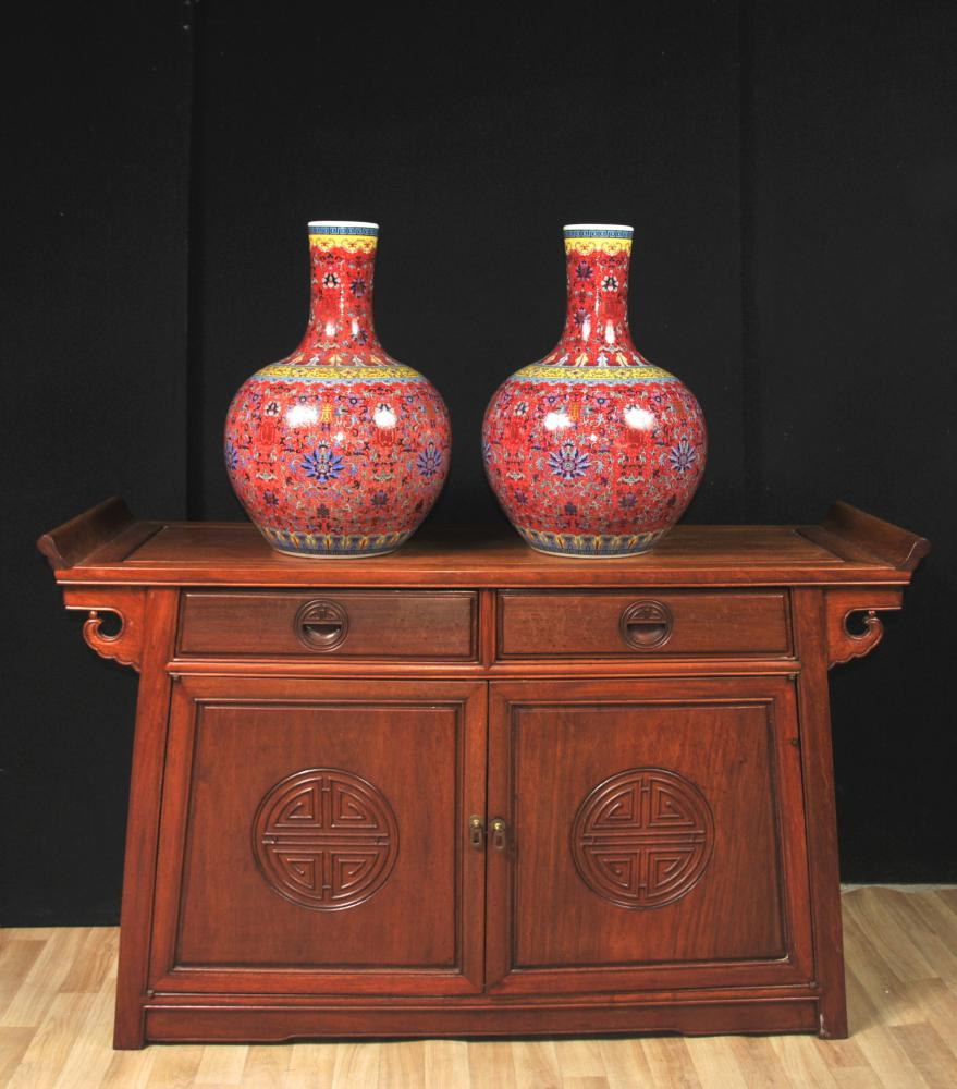 Paire De Vases Chinois En Porcelaine De Jingdezhen Urnes Bulbous Rouge Impérial