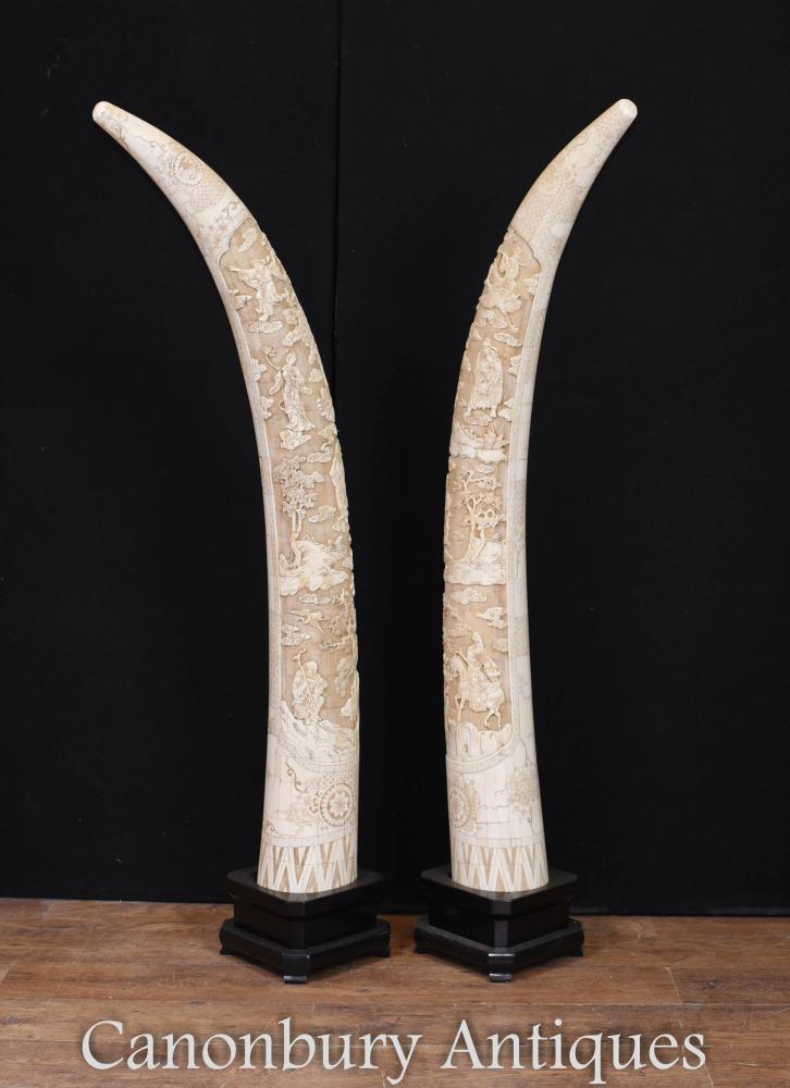 Paire de présentoirs en os chinois sculptés géants pour intérieurs d'architecture